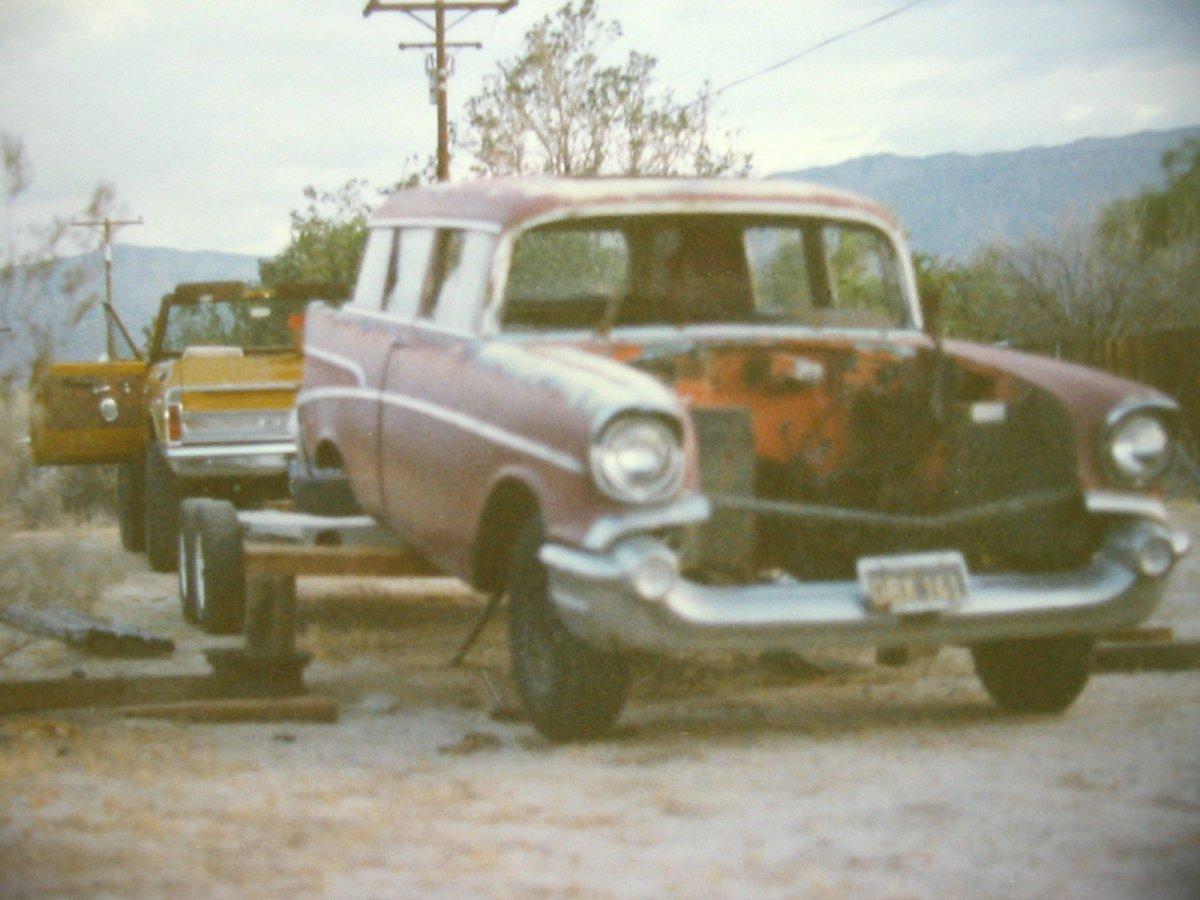 Chevy 1957 Wagon 01.JPG