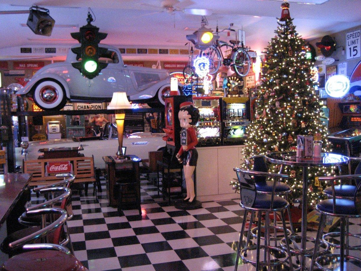 Christmas tree pic 3.jpg