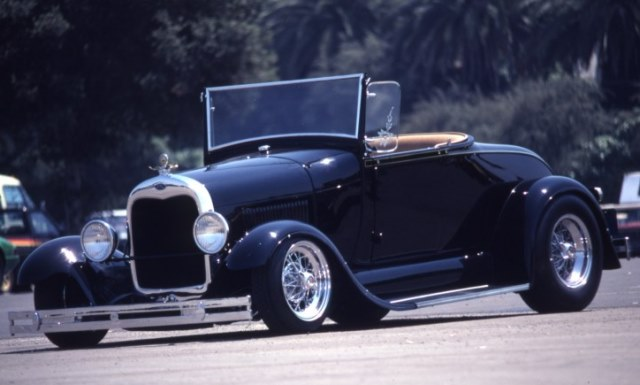 Chuck Hoffman '28 roadster built by Fat Jack Robinson (Pat Ganahl archives).jpg