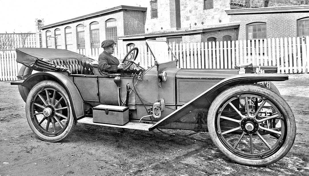 Circa-1912-American-Underslung-50-HP-Traveler-2.jpg