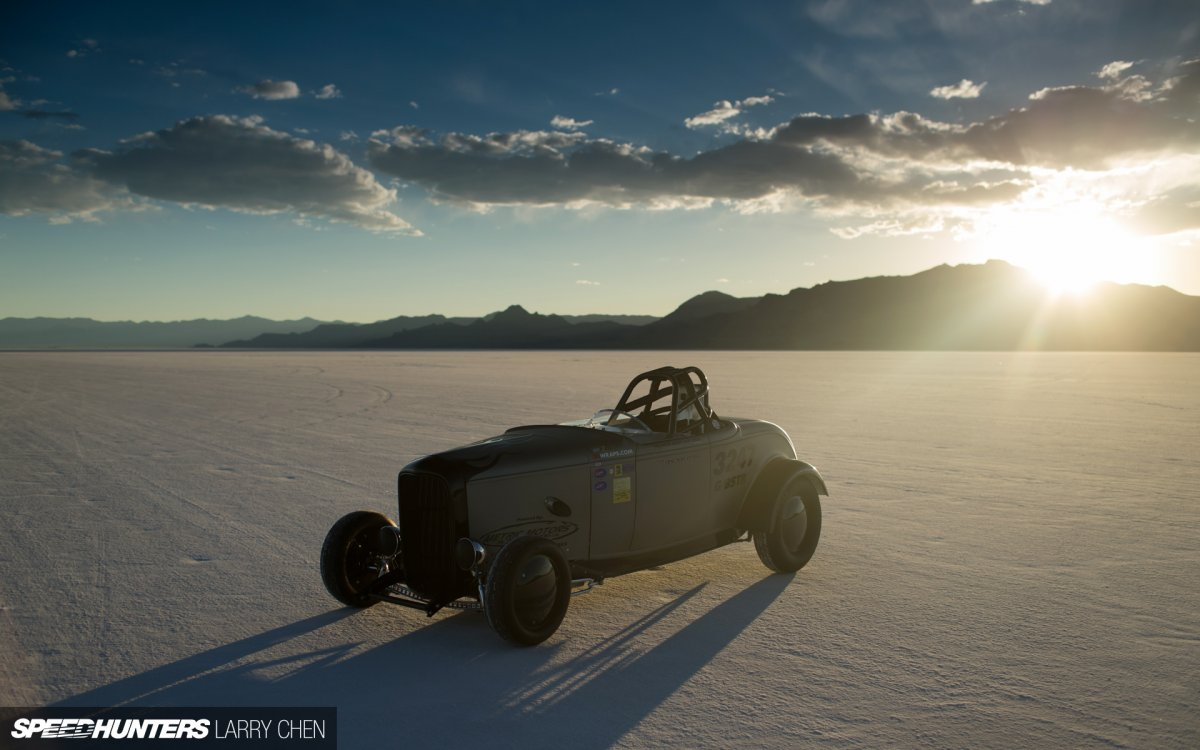 classic-car-classic-hot-rod-salt-flat-sunlight-sunset-hd-1080P-wallpaper.jpg