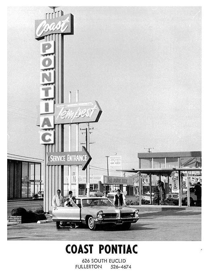 Coast Pontiac Tempest 1965.jpg