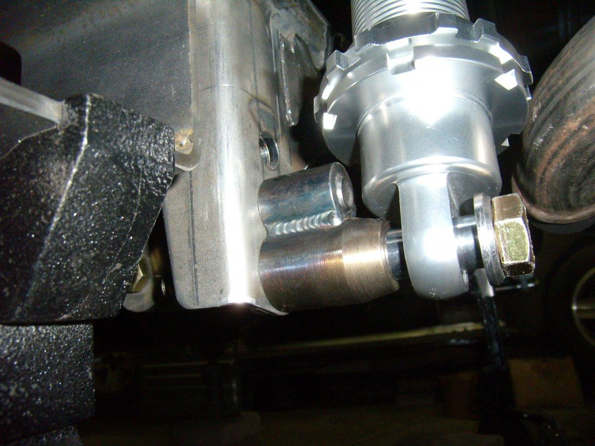 Coil shock mounts 009.JPG