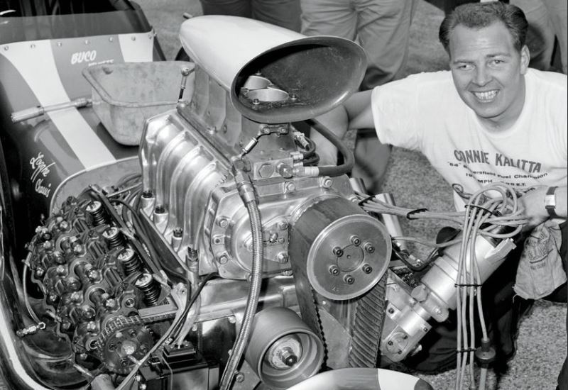 Connie Kalitta with top open cammer.JPG