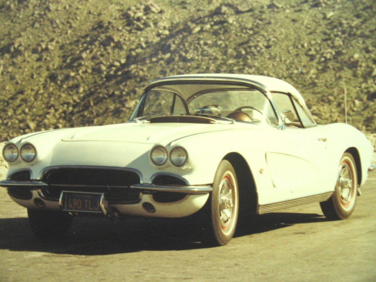 Corvette 1962 white 02.JPG