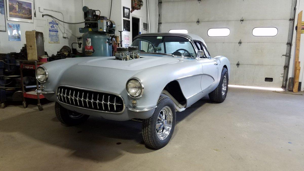 Corvette hood on 9 1 18 b.jpg