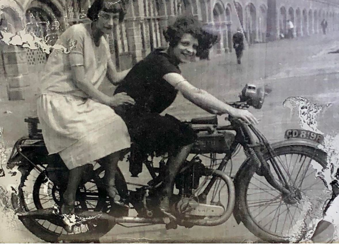 CycleChicks.JPG