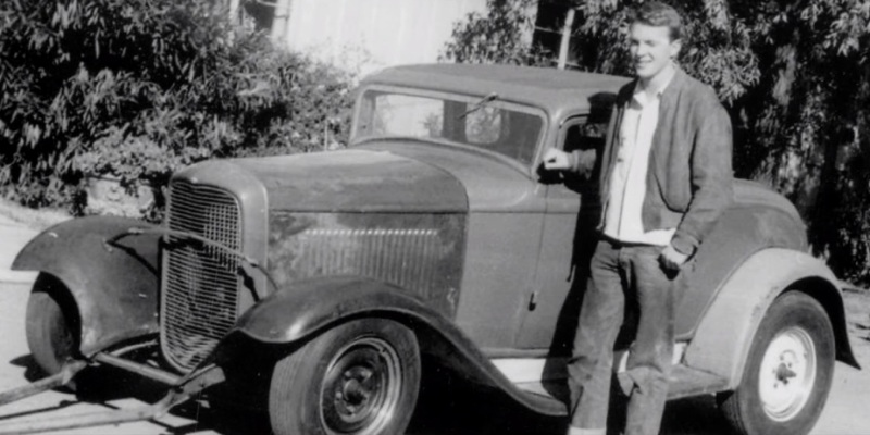Dan Gurney with his Deuce 5wd.jpg