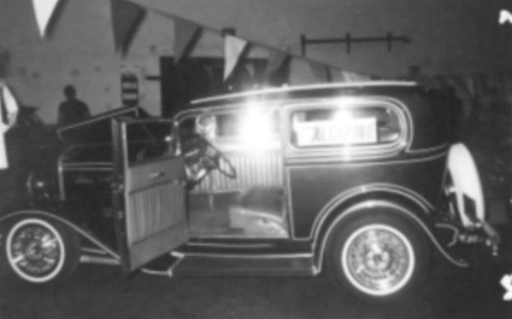 Dave Susie Hayward 32 Sedan Panel Striped 1.jpg