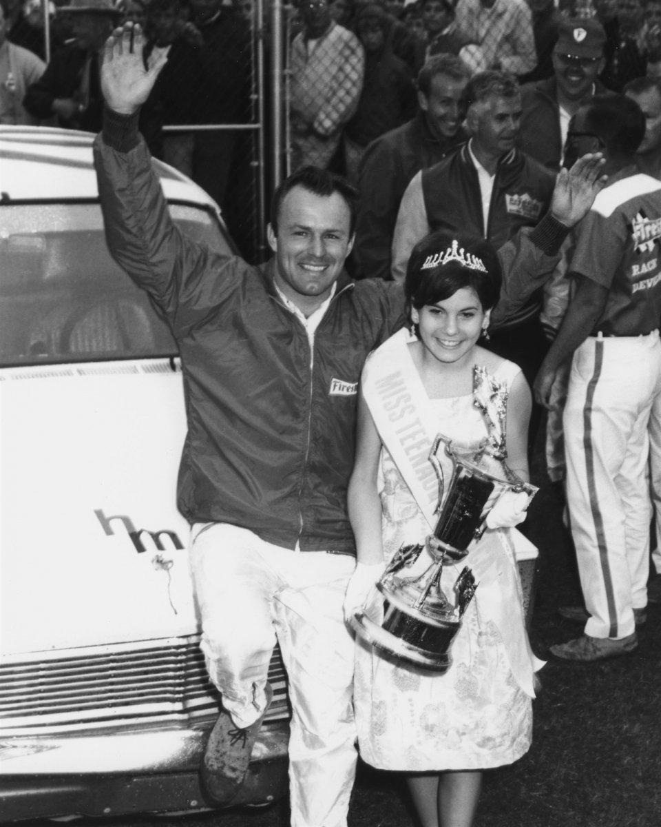 Daytona500-1965-Fred-Lorenzen.jpg