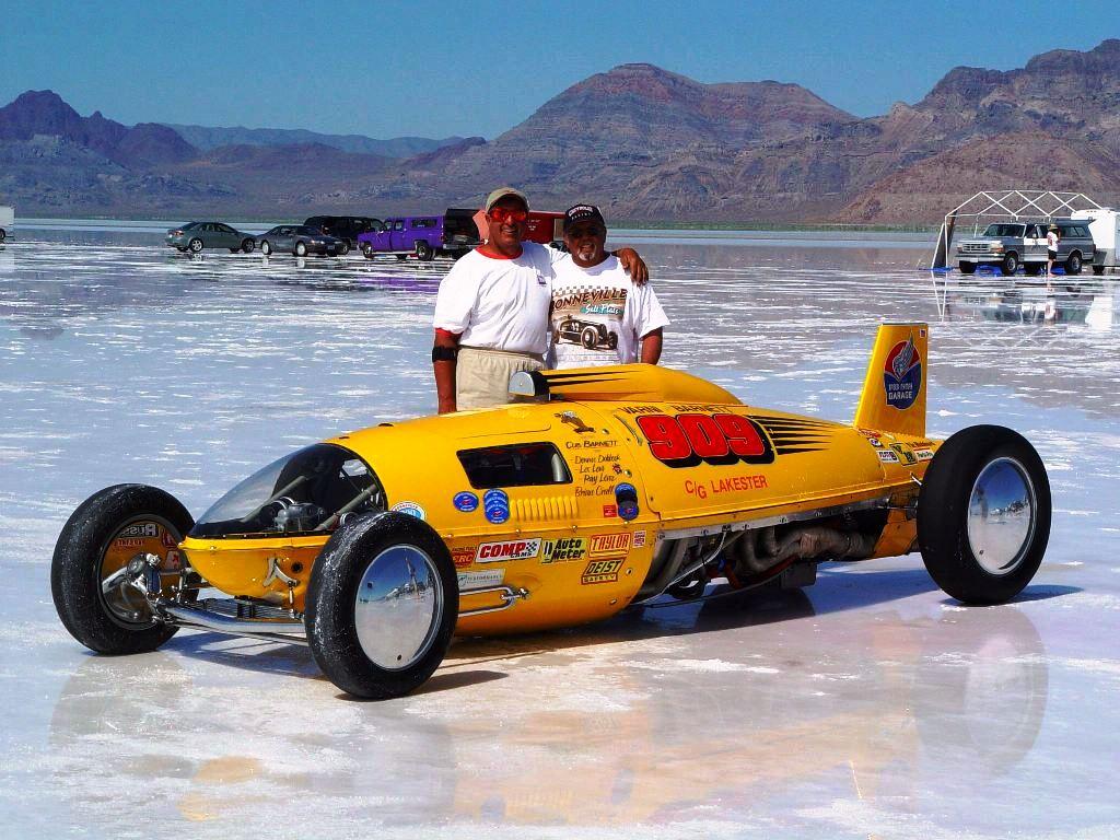 Dennis Varni & Dennis Dobbeck with #909 Lakester (2005).jpg
