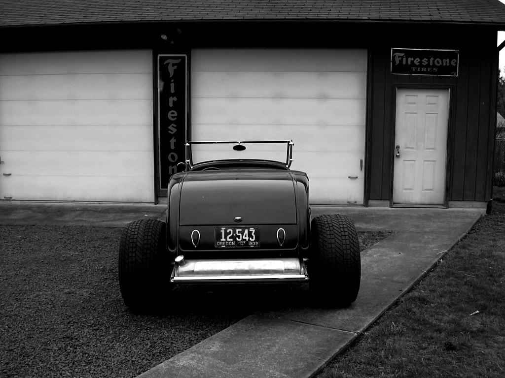 Denny\'s-garage_grey3.jpg