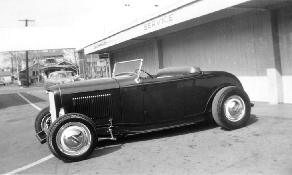 Dick Price Deuce Roadster (circa 1949).jpg