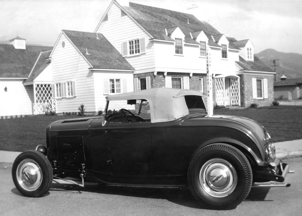 Dick Price Deuce Roadster with top(circa 1949).jpg