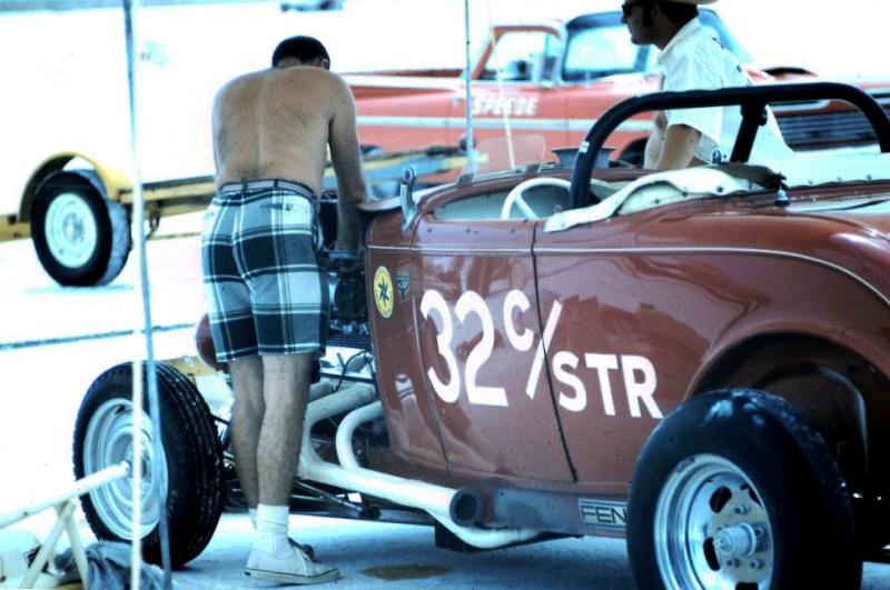 Dick Scritchfield #32 C - Street Roadster on the salt (1).jpg