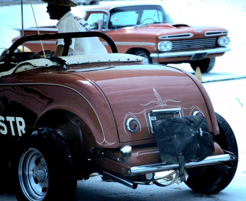 Dick Scritchfield #32 C - Street Roadster on the salt (2).jpg