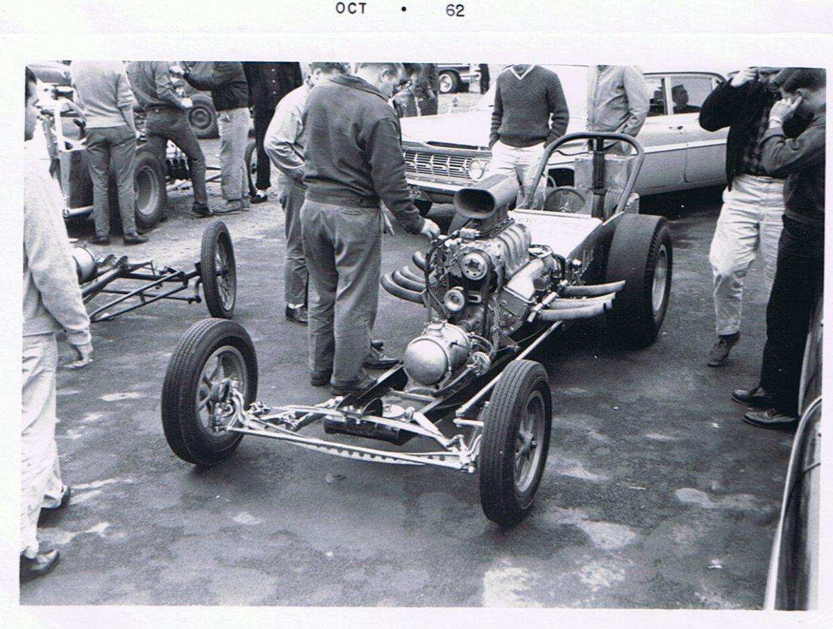 dino16 W engine.jpg