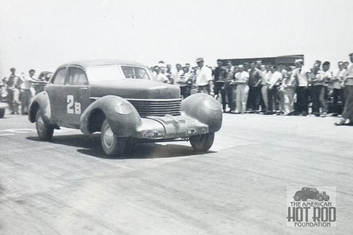 Don Montgomery - '37 Cord sedan (1).jpg