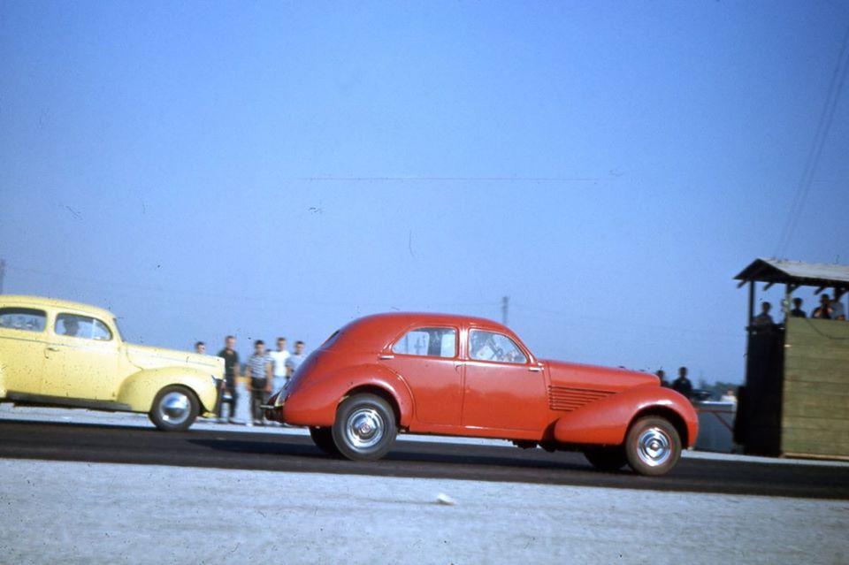 Don Montgomery Cord at Pomona - 1952 (David Sorenson archives).jpg