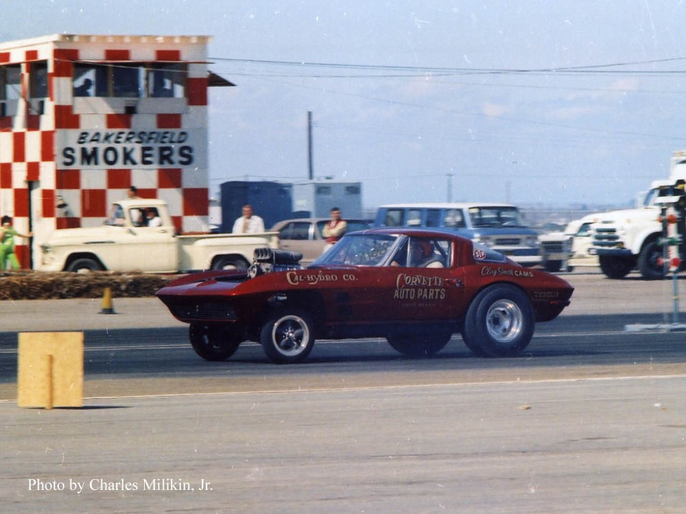 Don Rackekemann CorvetteAutoPartsBakersfieldin1965-vi.jpg