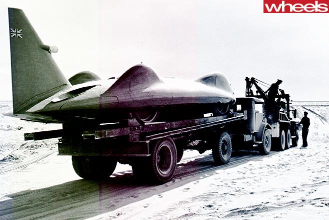 donald-campbell-bluebird-on-trailer.jpg
