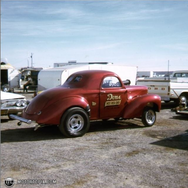 Don's Hot Rod Shop and willys.JPG