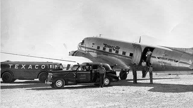 Doodlebug_Texaco 1940 Packard v16 limo.jpg