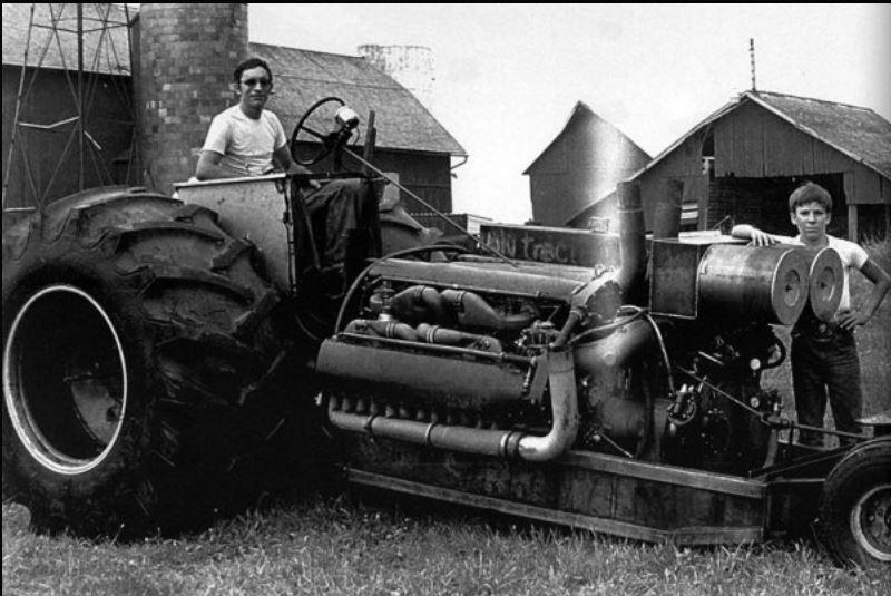 Double Ugly twin Allison pulling tractor.JPG