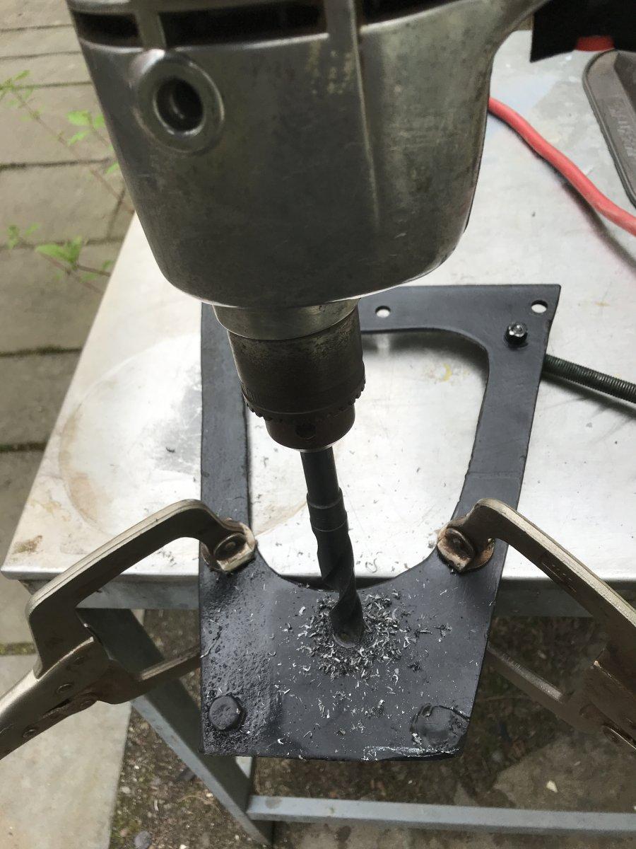 drillingmcbracket.JPG