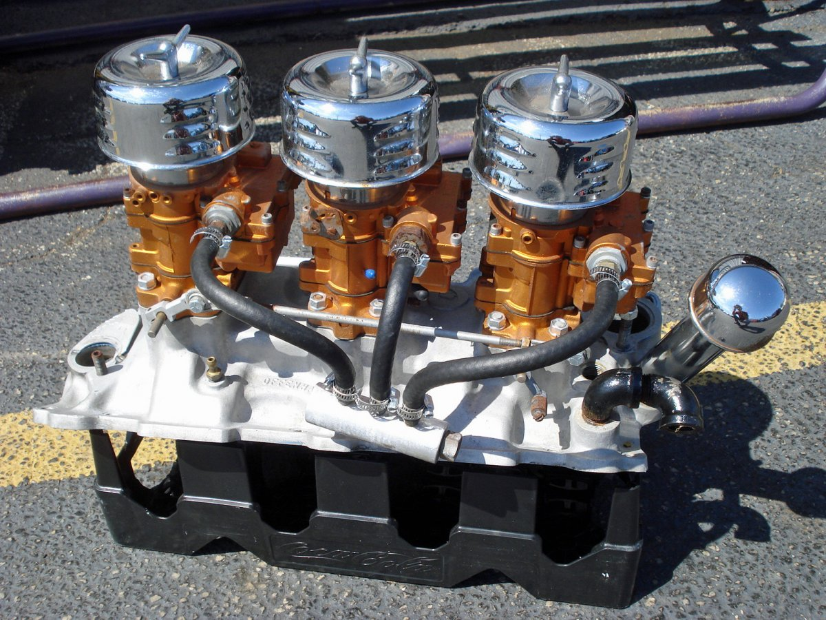 Small Block Chevy TRI-POWER   The H.A.M.B.