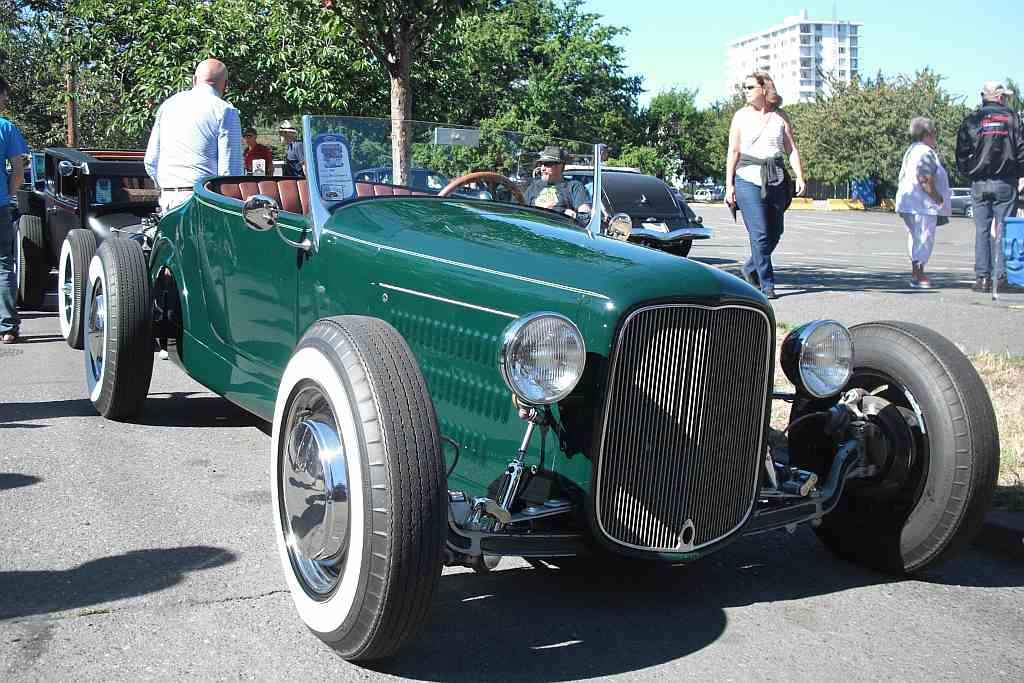 Folks Of Interest - The Hot Rods of Pete Chapouris | The H.A.M.B.