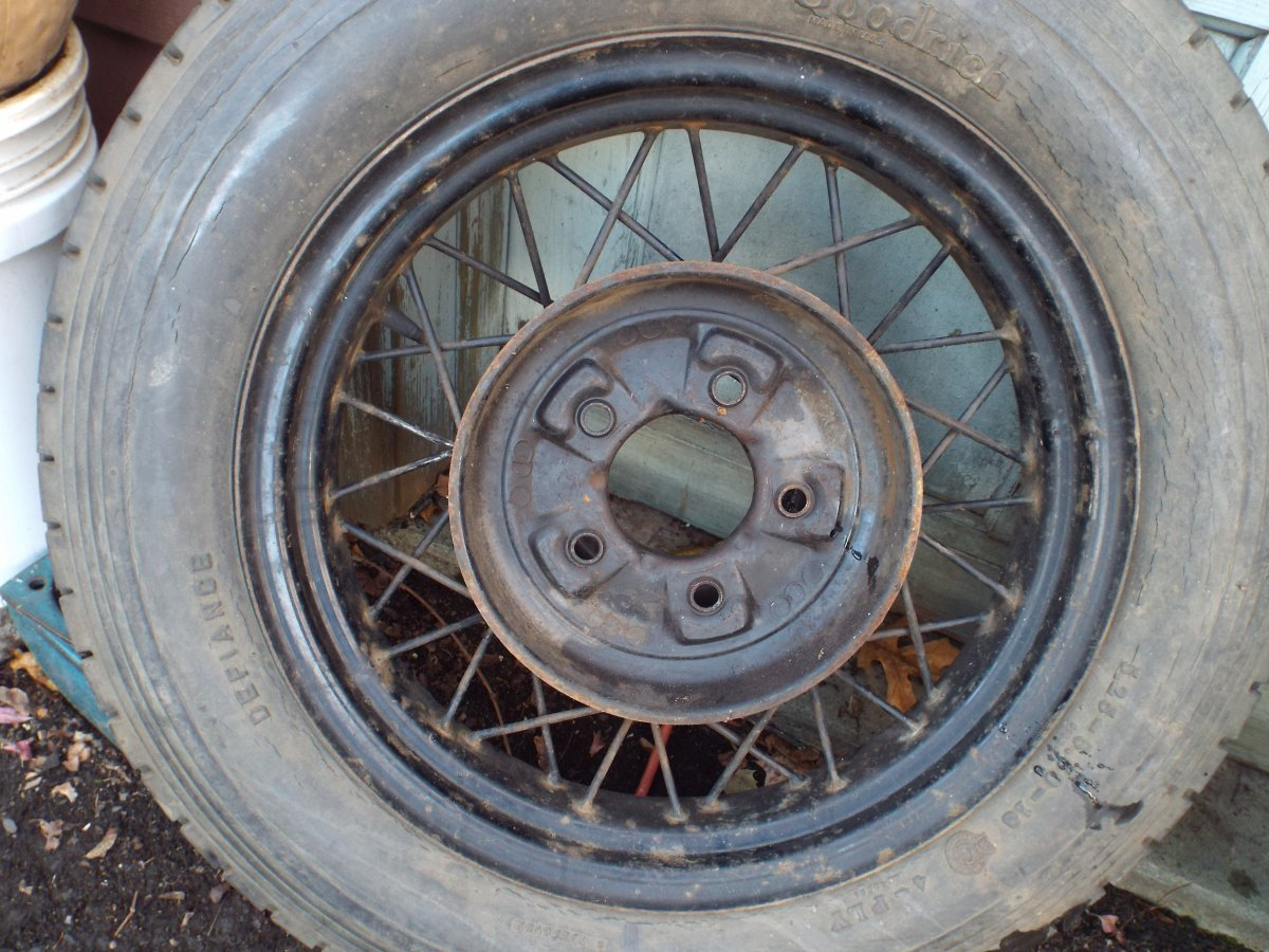Set of FOUR 1932 Ford 18 Inch WIRE WHEELS & Tires | The H.A.M.B.