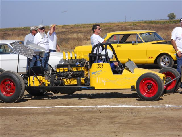 Eagle Field Hot Rod Gathering 10-09-10 031 (Small).jpg