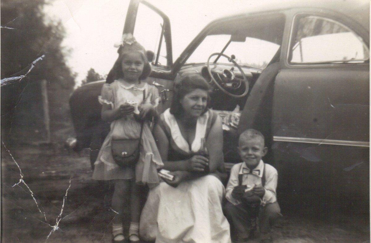 Easter Sunday 1953.JPG