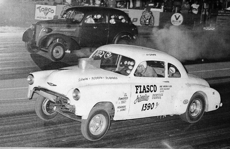 Ed Sigmon began racing at dragstrips at age 18 in 1960.jpg