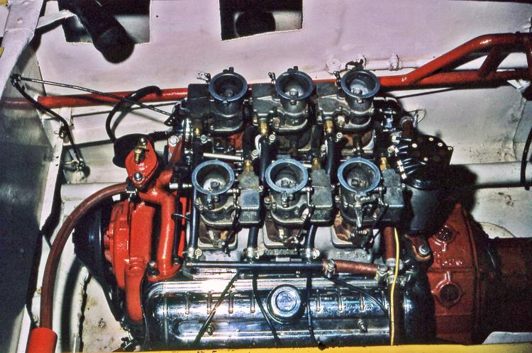 ENGINE FOR TOMMY\'S STREAMLINER (by Joe Fontaine).jpg