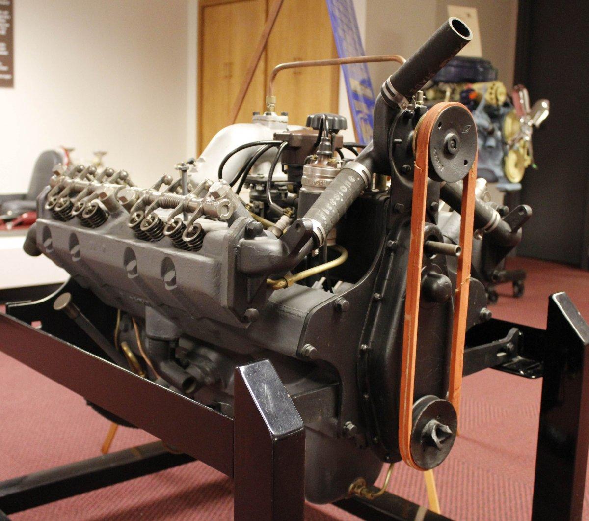 engine2 1918 Chevrolet V-8 Engine.jpg