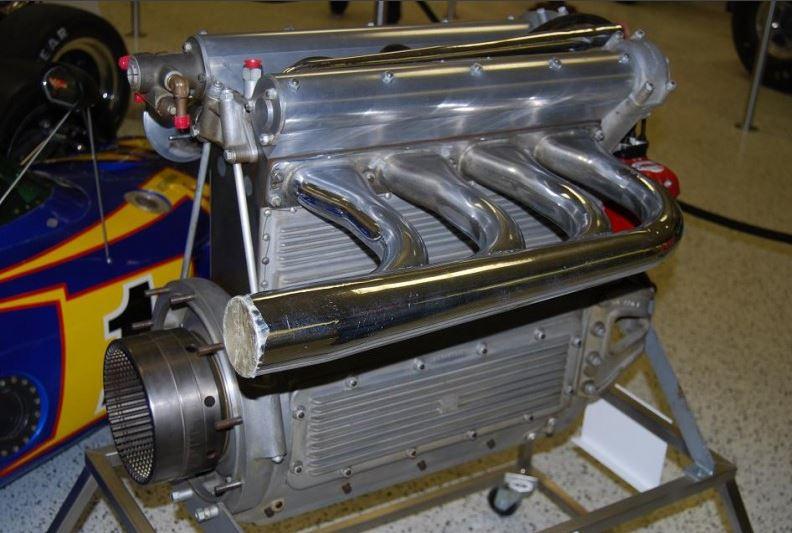 engine5  Meyer-Drake Offenhauser 255-cid four-cylinder.JPG