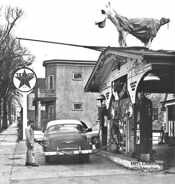 f0fd44fcc906dc2b47482ce702405f16--old-gas-stations-car-dealers.jpg