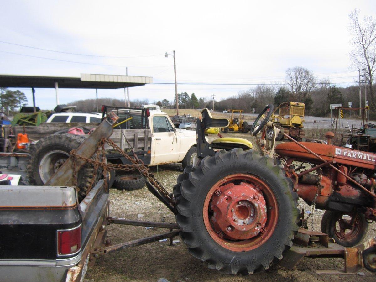 Farmall & woods mower 010.JPG