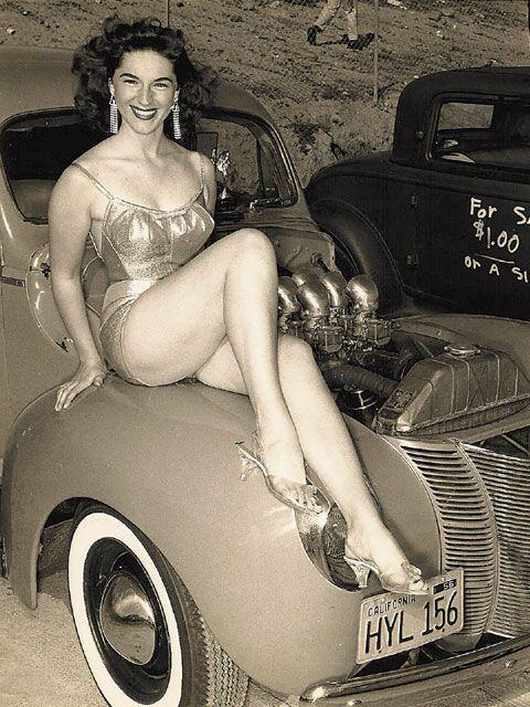 fcd786a9964c5ad5b9954c6906bb17c4--vintage-glamour-retro-vintage.jpg