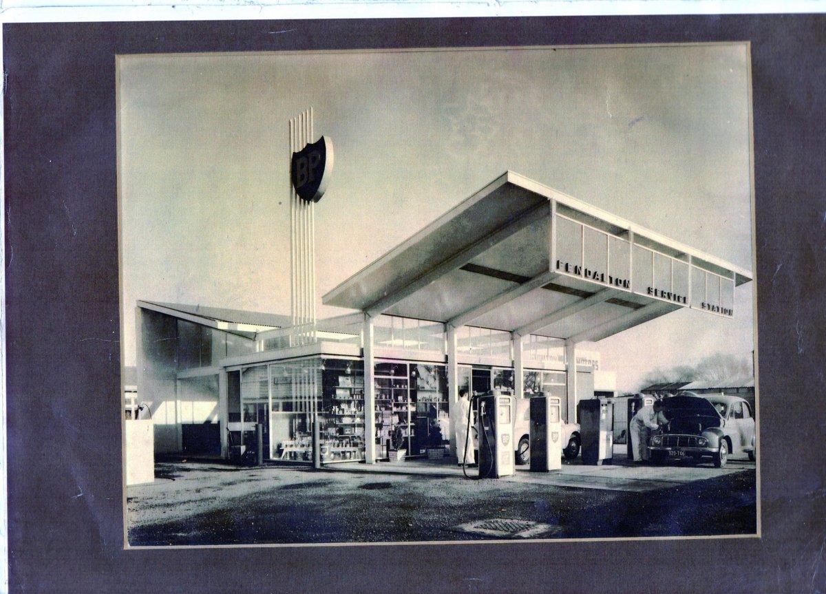 Fendalton garage 50s.jpg