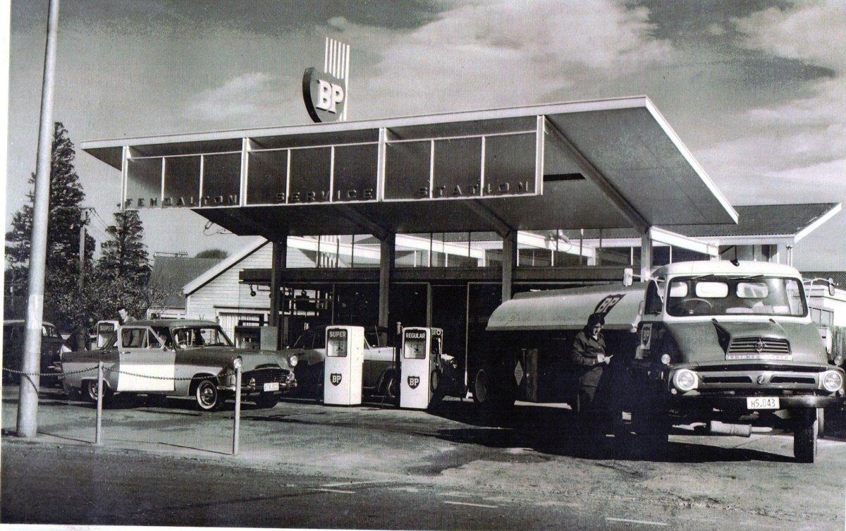 Fendalton garage 60s.jpg
