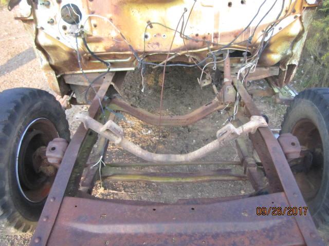 ford crossmember mount 003.JPG