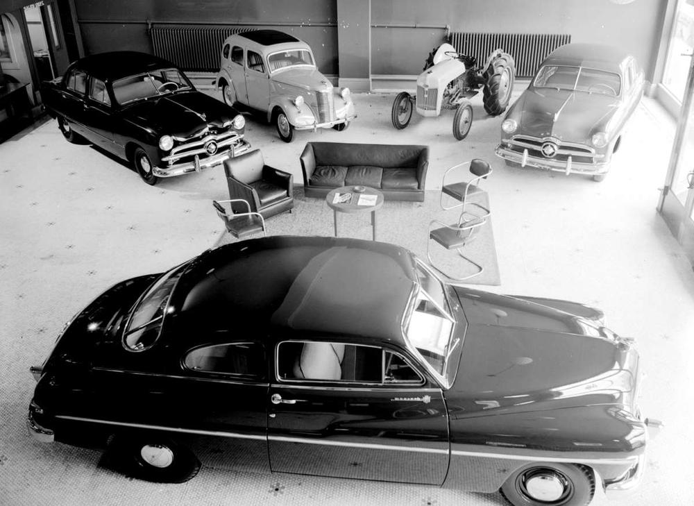 Ford & Monarch showroom.jpg