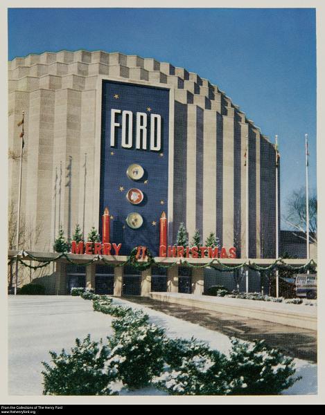 ford-rotunda-christmas.jpg