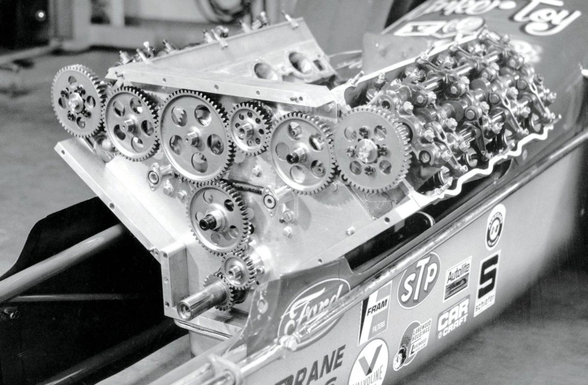 ford-sohc-engine-unique-drive-assembly.jpg