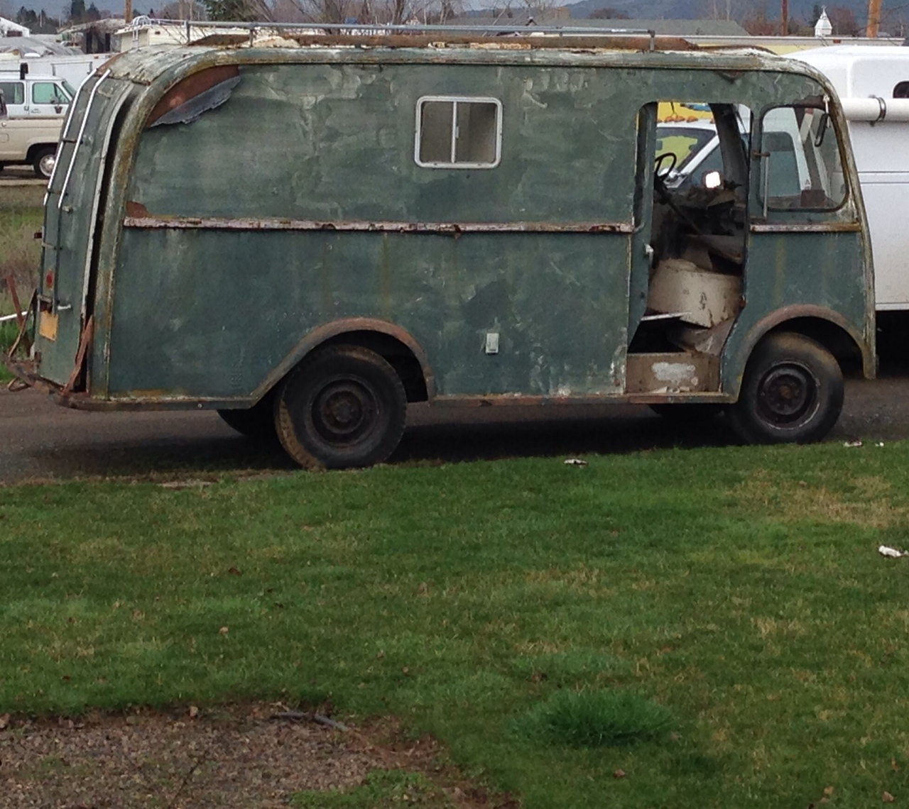4 Vintage Step Vans Metro GMC Chevy Ford priced to sell   The H.A.M.B.