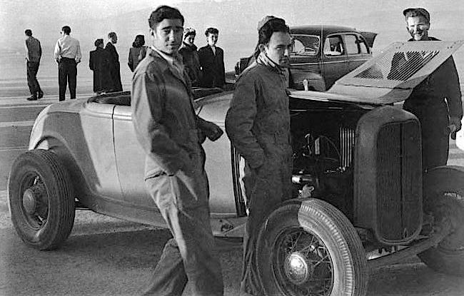 Fred Lobello Deuce Highboy (San Diego Roadster Club).jpg
