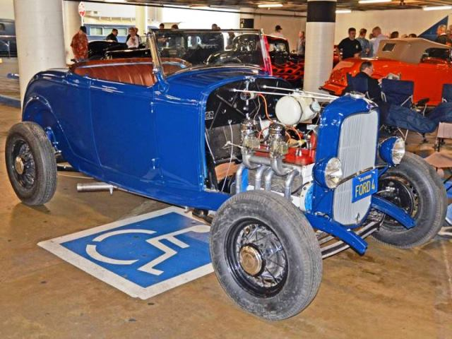Fred Lobello\'s \'32 Roadster @ Petersen Deuce Week (by Howard Gribble).JPG